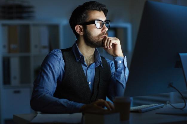man-working-night_web design jpg