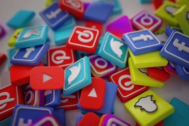 pile-3d-popular-social-media-logos